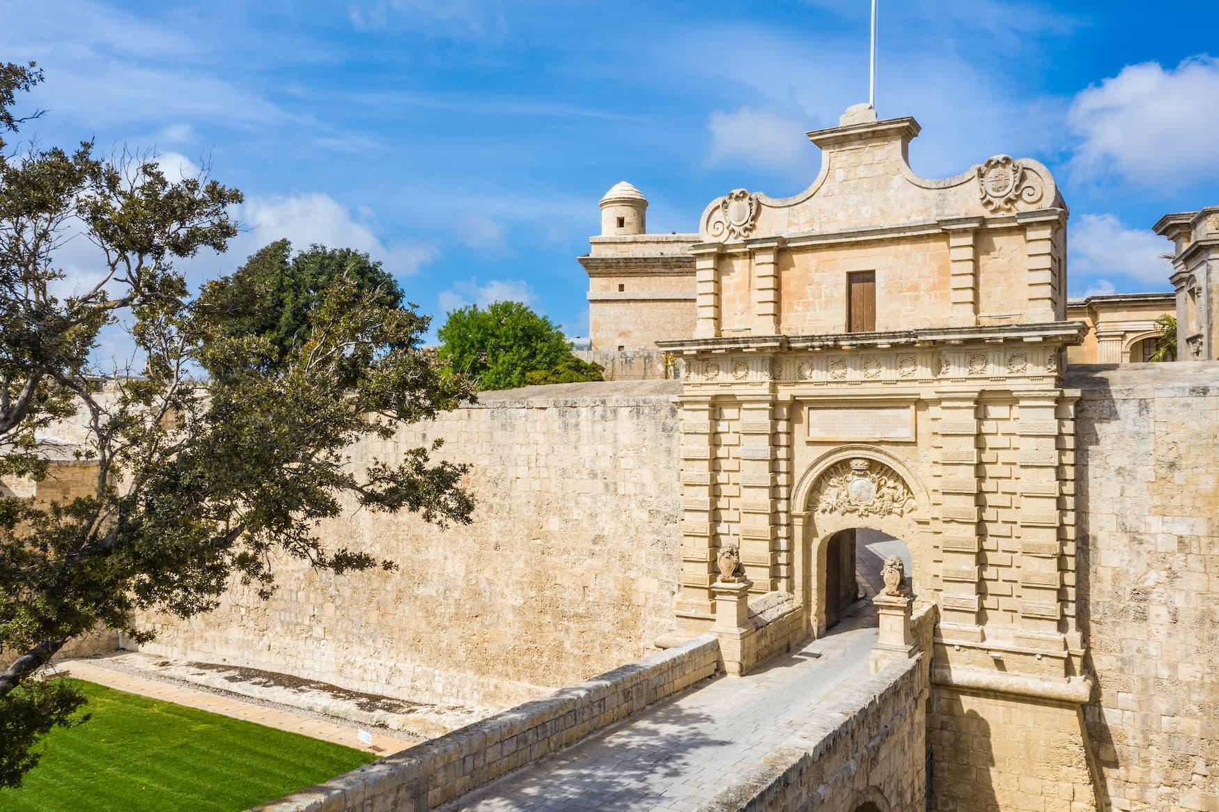 Sehenswürdigkeiten auf Malta: Das Haupttor von Mdina, das als Drehort von Game of Thrones diente