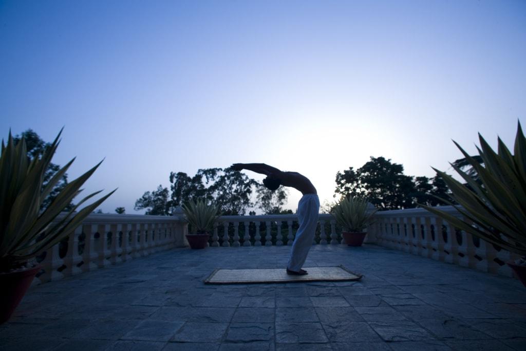 Yoga im Ananda in the Himalayas