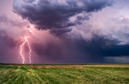 Tipps bei Gewitter: vorsicht vor den Blitzen