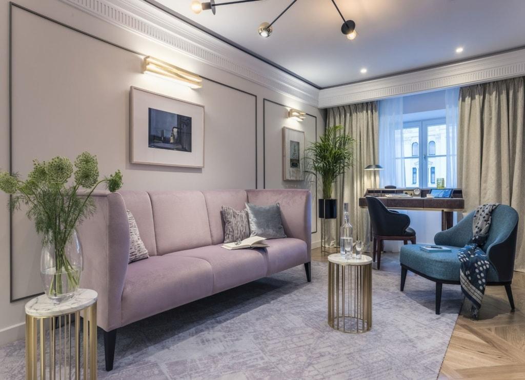 Wohnbereich einer Suite im Raffles Europejski Warsaw
