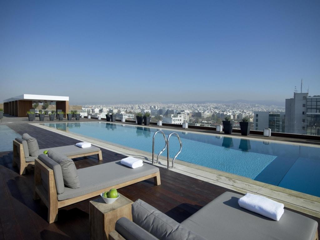 Das The MET Hotel in Thessaloniki allein lohnt die Reise in Griechenlands zweitgrößte Stadt.
