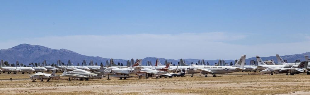 Hunderte Flugzeuge auf Friedhof Boneyard in Arizona