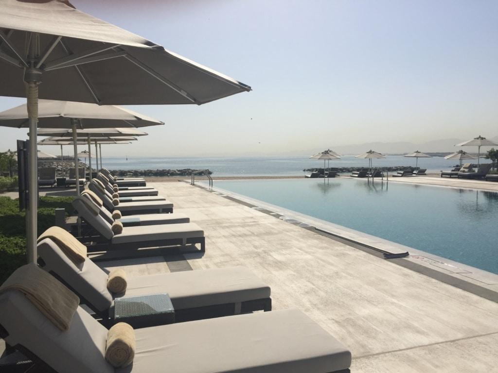 Pool des Kempinski Hotels Muscat
