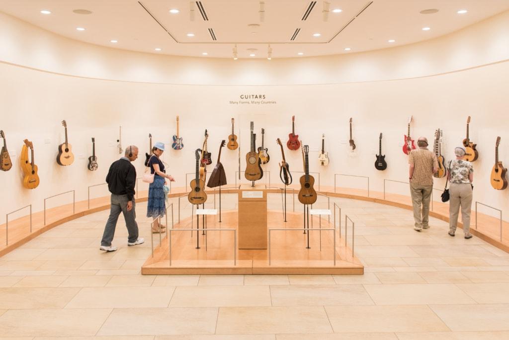 Im Musical Instrument Museum werden Instrumente aus aller Welt ausgestellt.