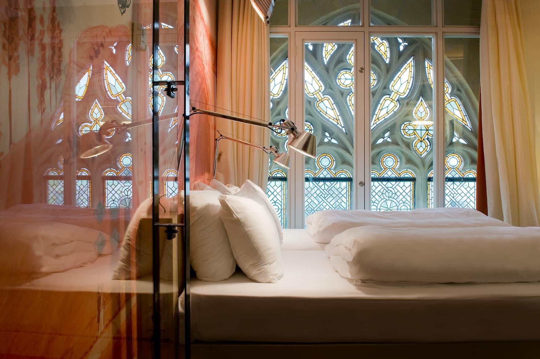 Schlafzimmer im Kruisheren Hotel