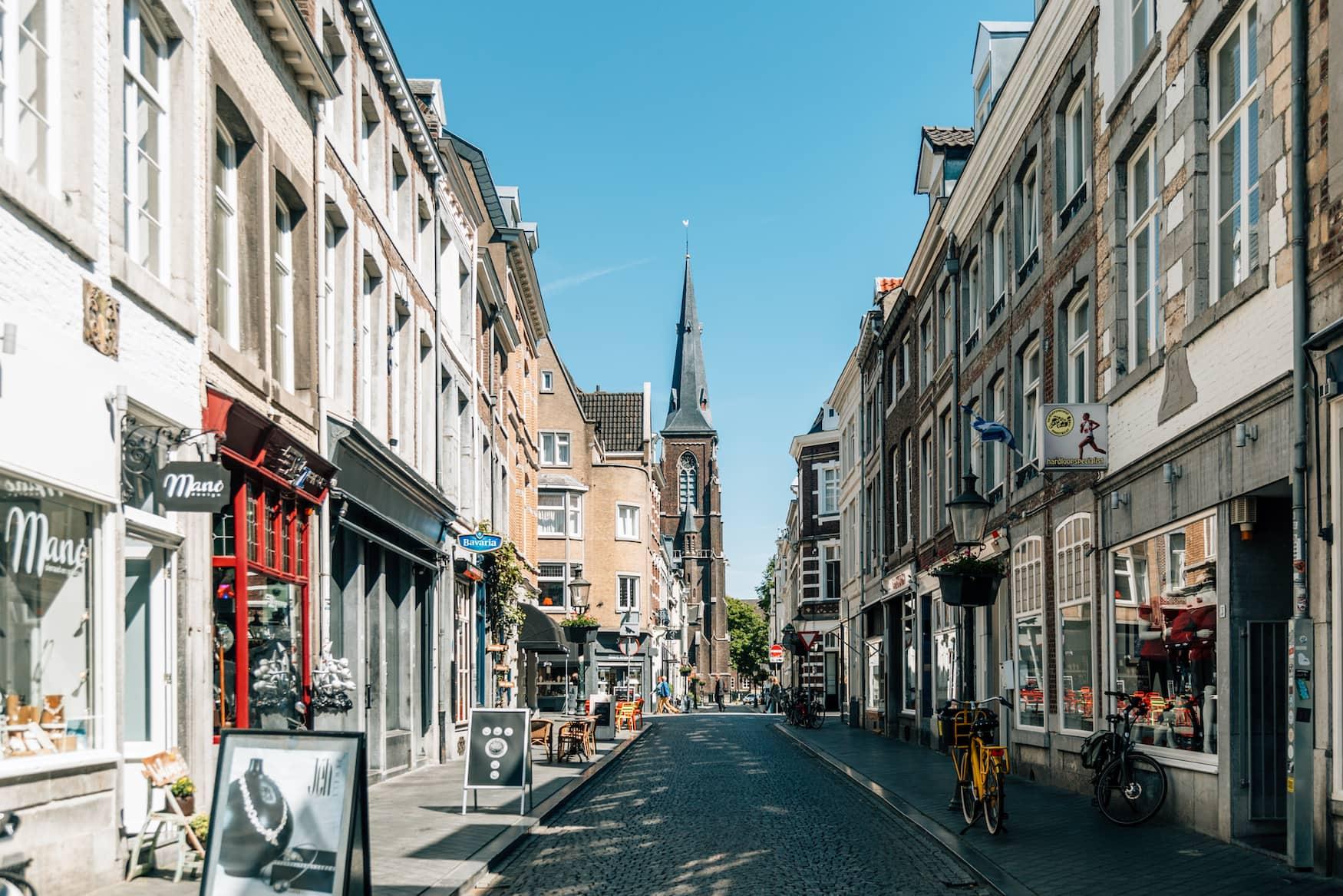 Rechtskraft im Viertel Weck in Maastricht mit schönen Geschäften und Restaurants