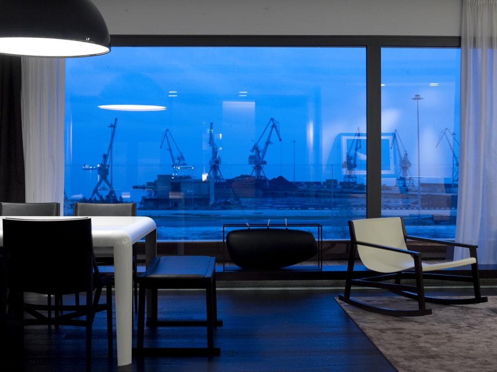Das The MET von Design Hotels liegt mit Blick über die Stadt und Hafen.
