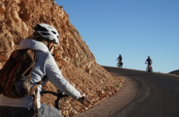 Rad fahren im Atlas Gebirge