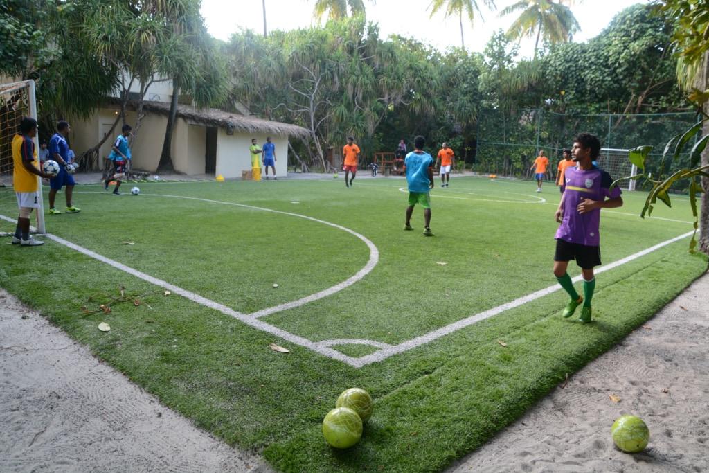 Fußballspieler auf den Malediven