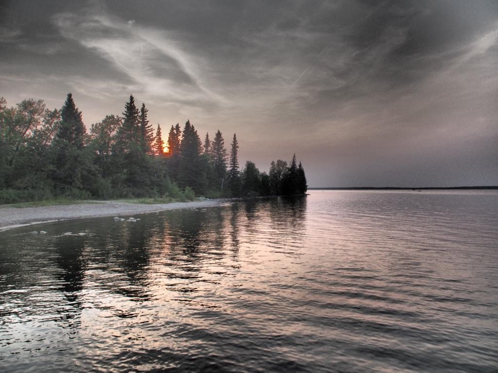 Abends versinkt die Sonne hinterm Clear Lake.