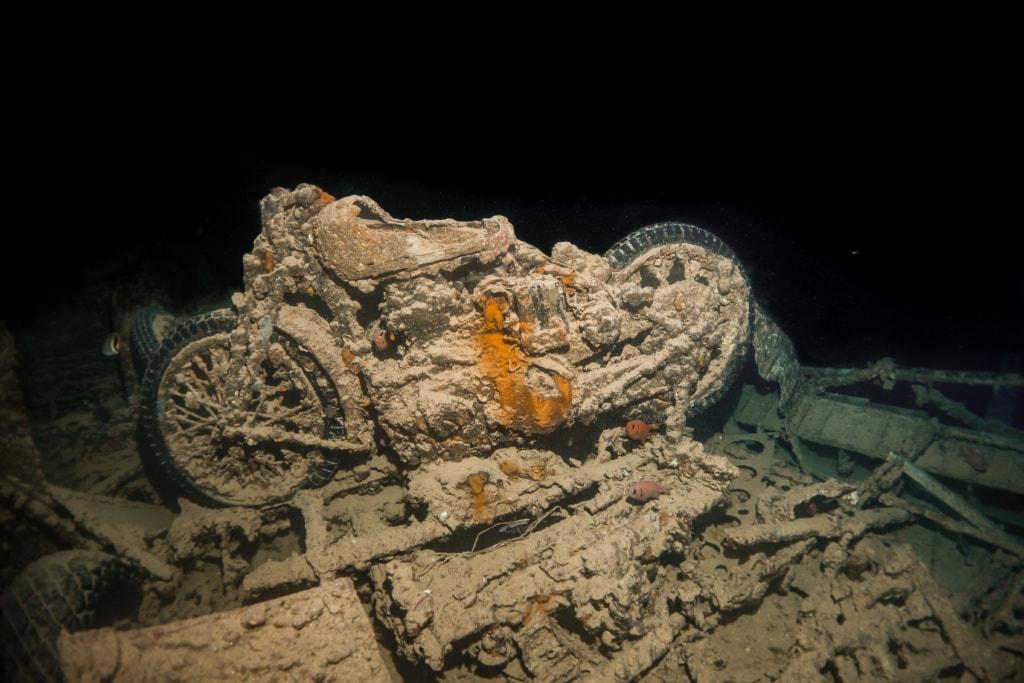 Ägypten wartet mit einem ganz besonderen Schiffswrack auf: Hier lassen sich ganze LKWs und Motorräder aus dem Zweiten Weltkrieg ertauchen.