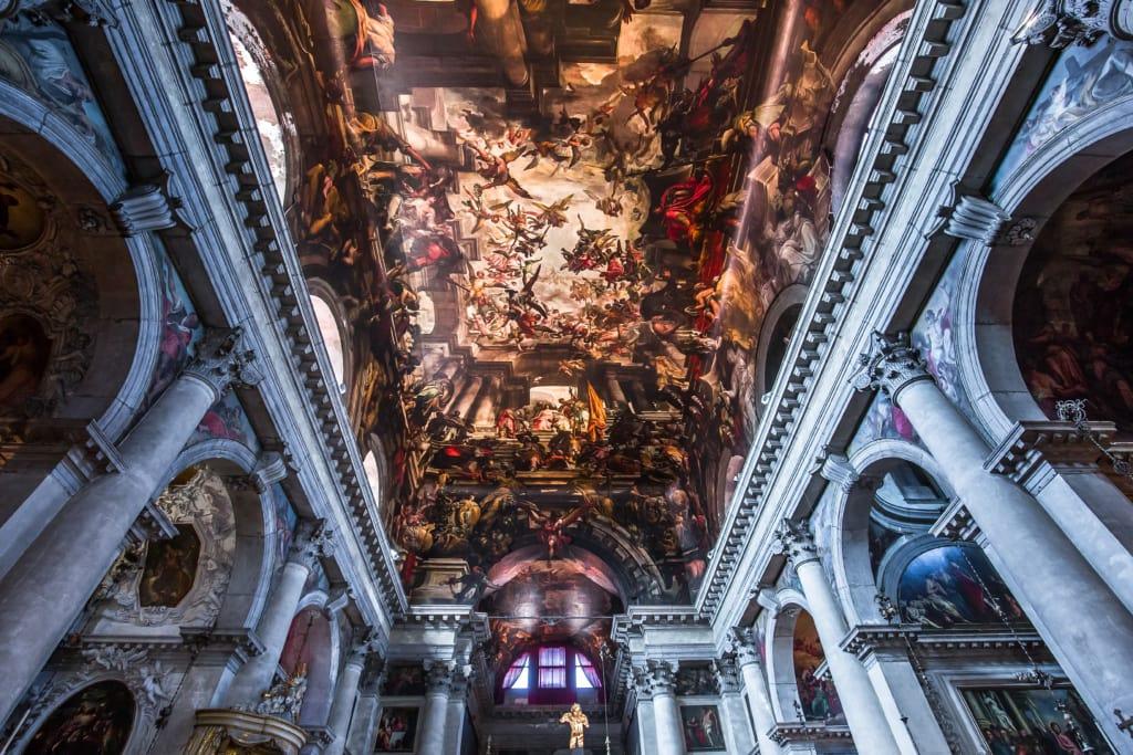 In Venedig findet man einige der schönsten Fresko-Malereien Italiens.