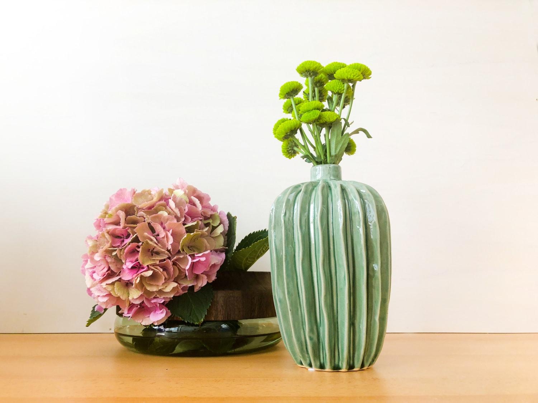 bl tenpracht die sch nsten vasen reisen exclusiv. Black Bedroom Furniture Sets. Home Design Ideas