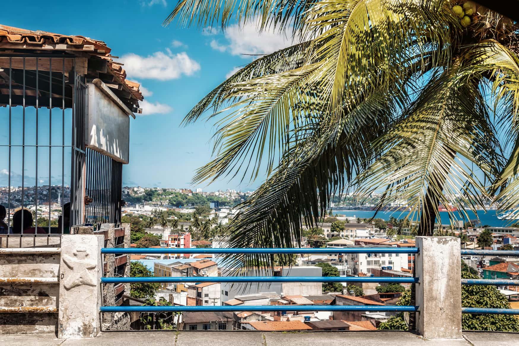 Blick auf Vororte in Salvador da Bahia