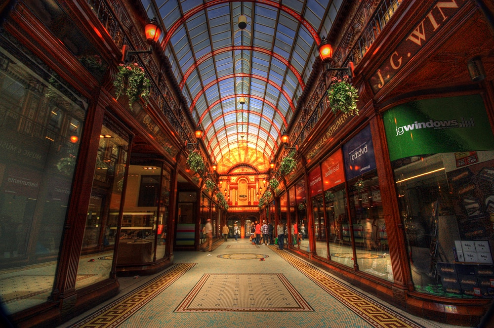 Alte Central Arcade in Newcastle mit vielen Lichtern.