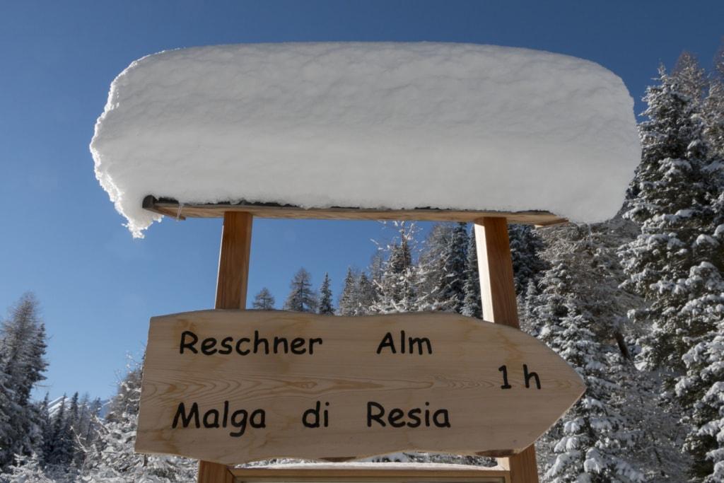 Südtirol, Vinschgau, Winter, Reschner Alm, Schild,