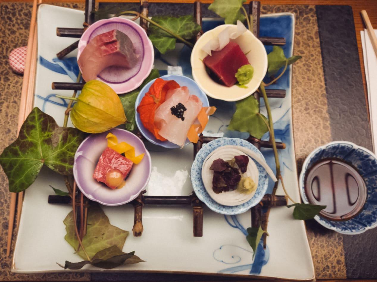 Japanisches Gericht toll angerichtet.