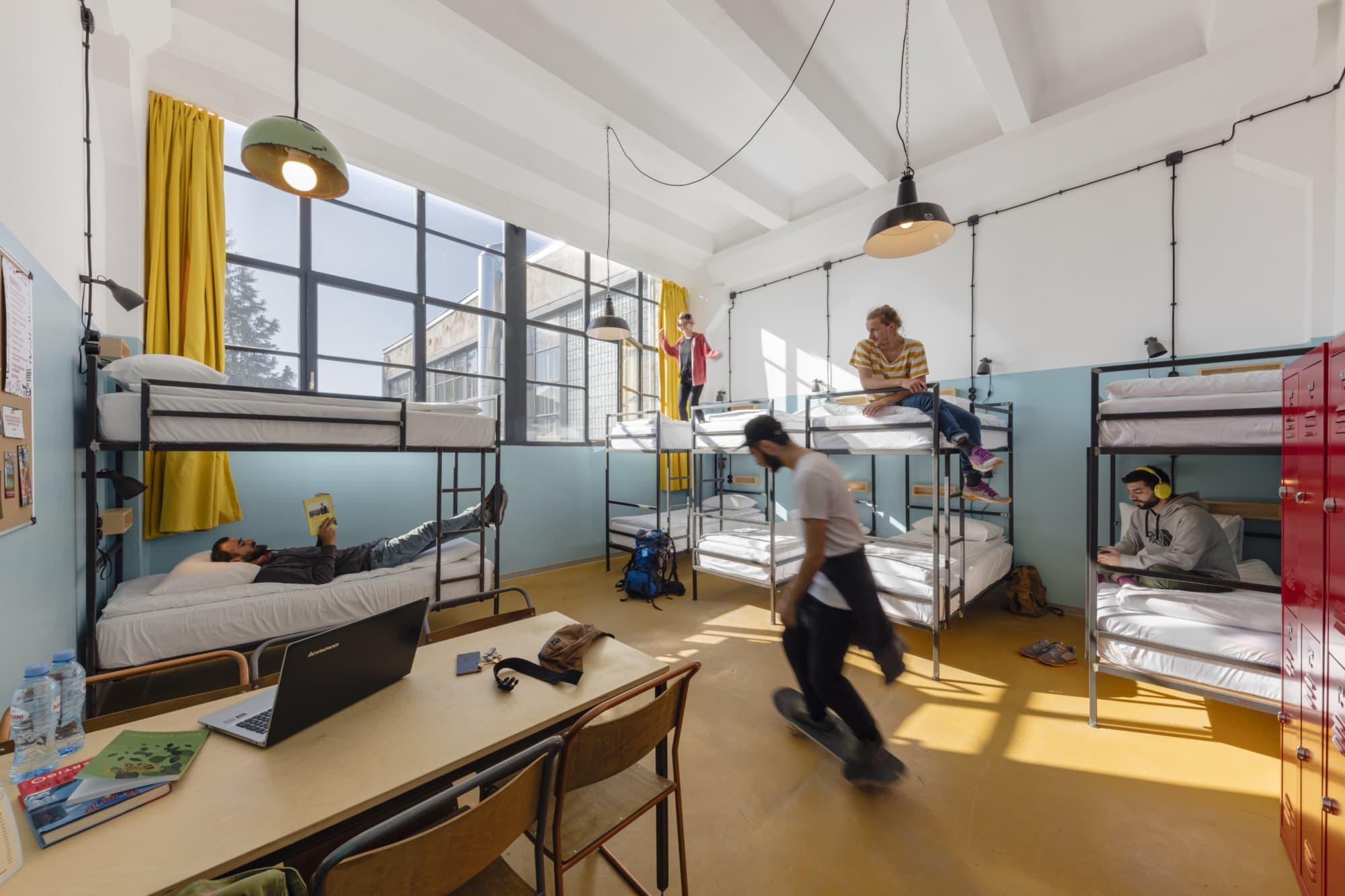 Industrial Chic gepaart mit orientalischen Einflüssen im Fabrica Tbilisi