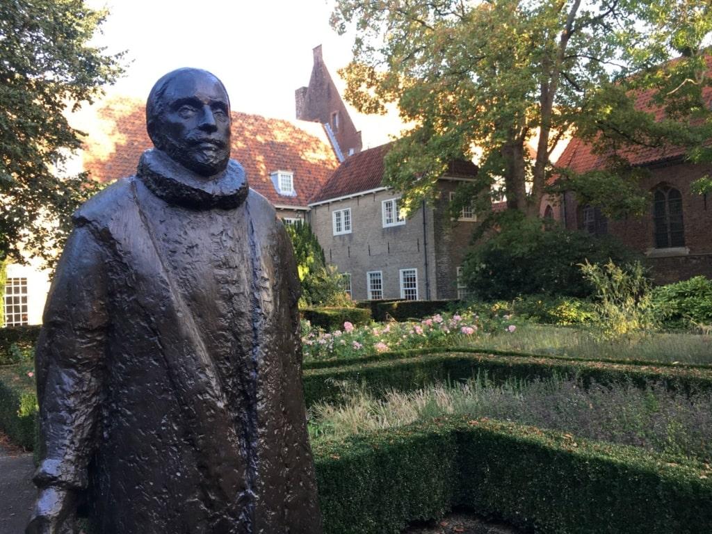 William-von-Oranien-Statue im Garten des Prinsenhofes