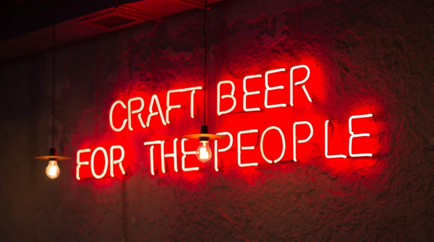 Neonschriftzug craft beer for the people