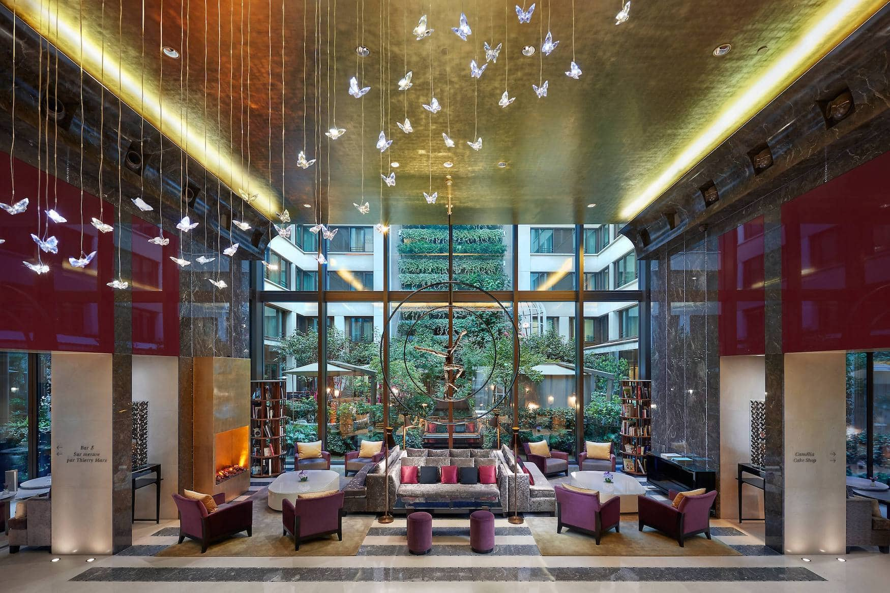 Lobby in Luxushotel in Paris
