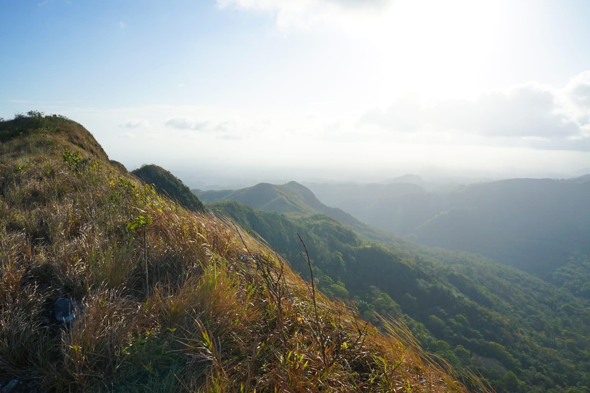 Blick über die Berge im Valle de Anton in Panama