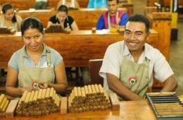 Arbeiter in der Zigarettenmanufraktur Joya de Nicaragua