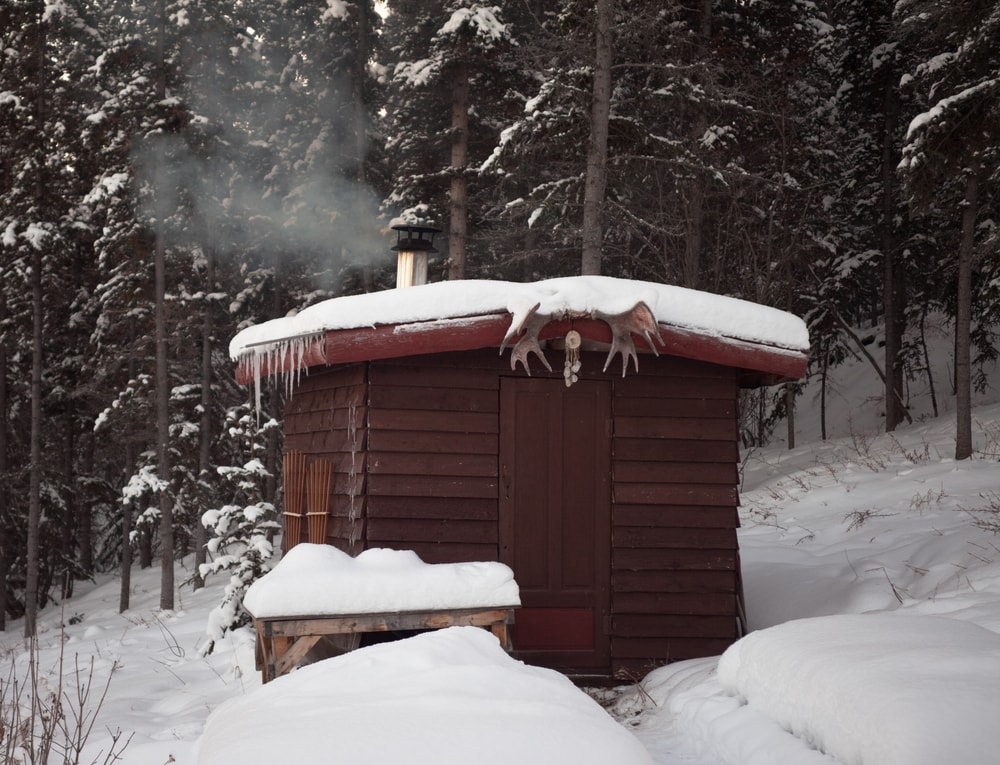 Sauna im Winter in Finnland