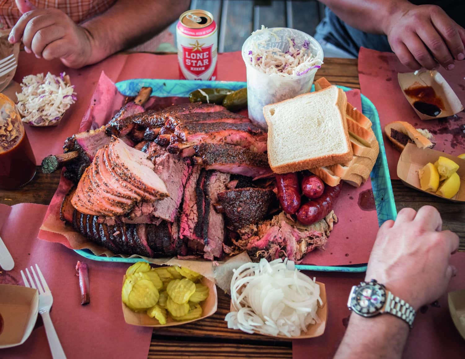 Volle Grillplatte in einem Restaurant in Texas