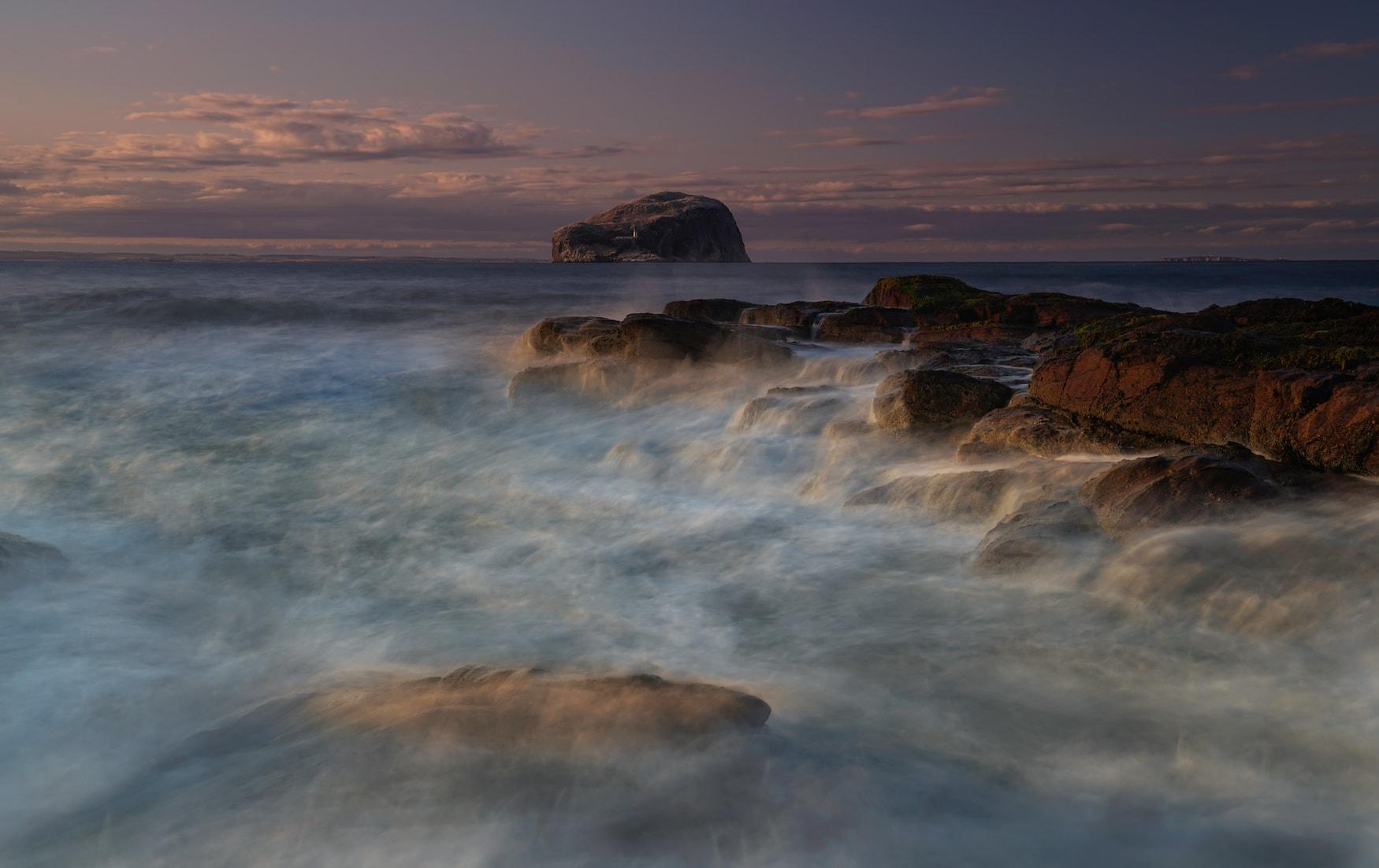 Mystische Landschaften an der Insel Bass Rock am Seacliff Beach
