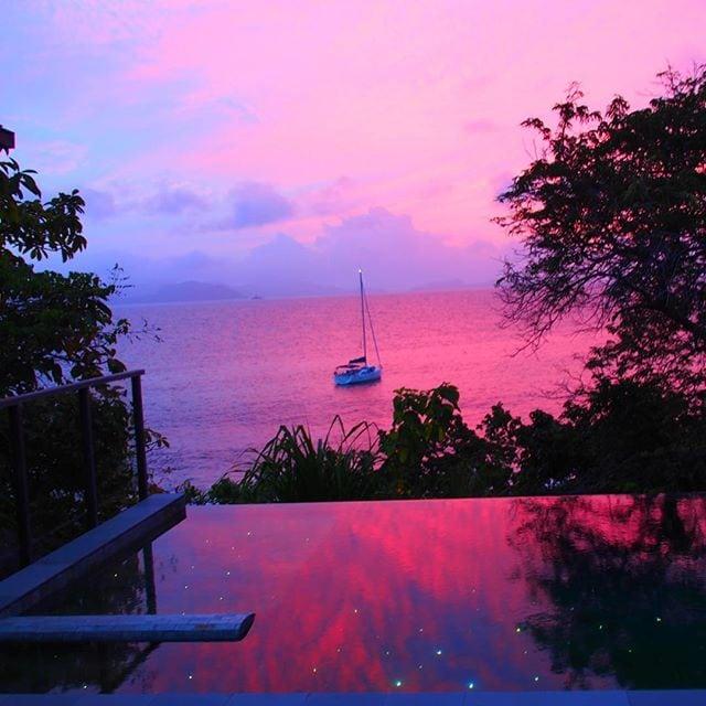 Chefredakteurin @fraumuksch nannte es ihren Ort der Glückseligkeit. Jetzt wissen wir warum. Wir träumen uns jetzt dorthin! #welivetoexplore #traveldeeper #seychelles #seychellen #reportervorort