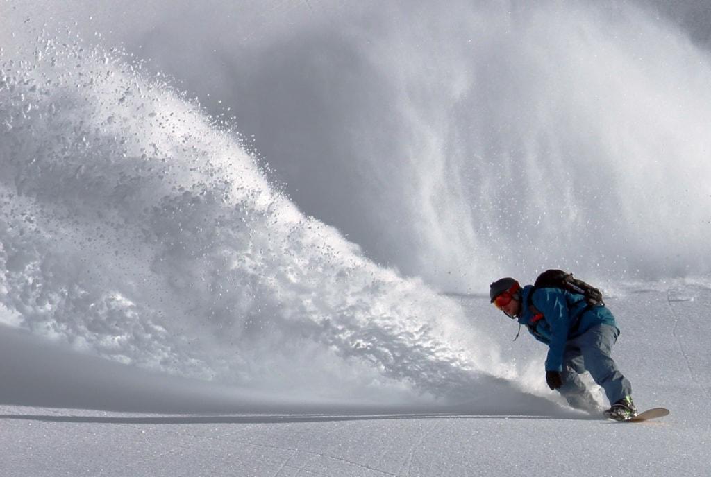 Snowboardfahrer in Action