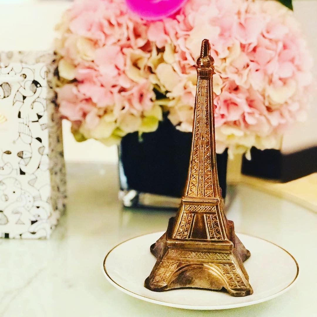 Liebe bis ins letzte Detail erfuhr @aspirinia im @mo_paris. Mehr darüber in der kommenden Ausgabe. #vorfreude #passionpassport #welivetoexplore #travellingthroughtheworld #hotel