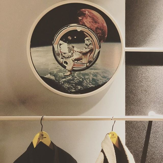 This is the return of the space cowboy, interplanetary good vibe zone. Schön das neue @25hourshotels in #Köln.