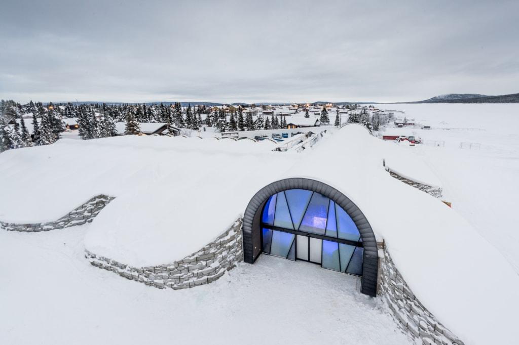 Eingang des Icehotel in Jukkasjärvi, Schweden