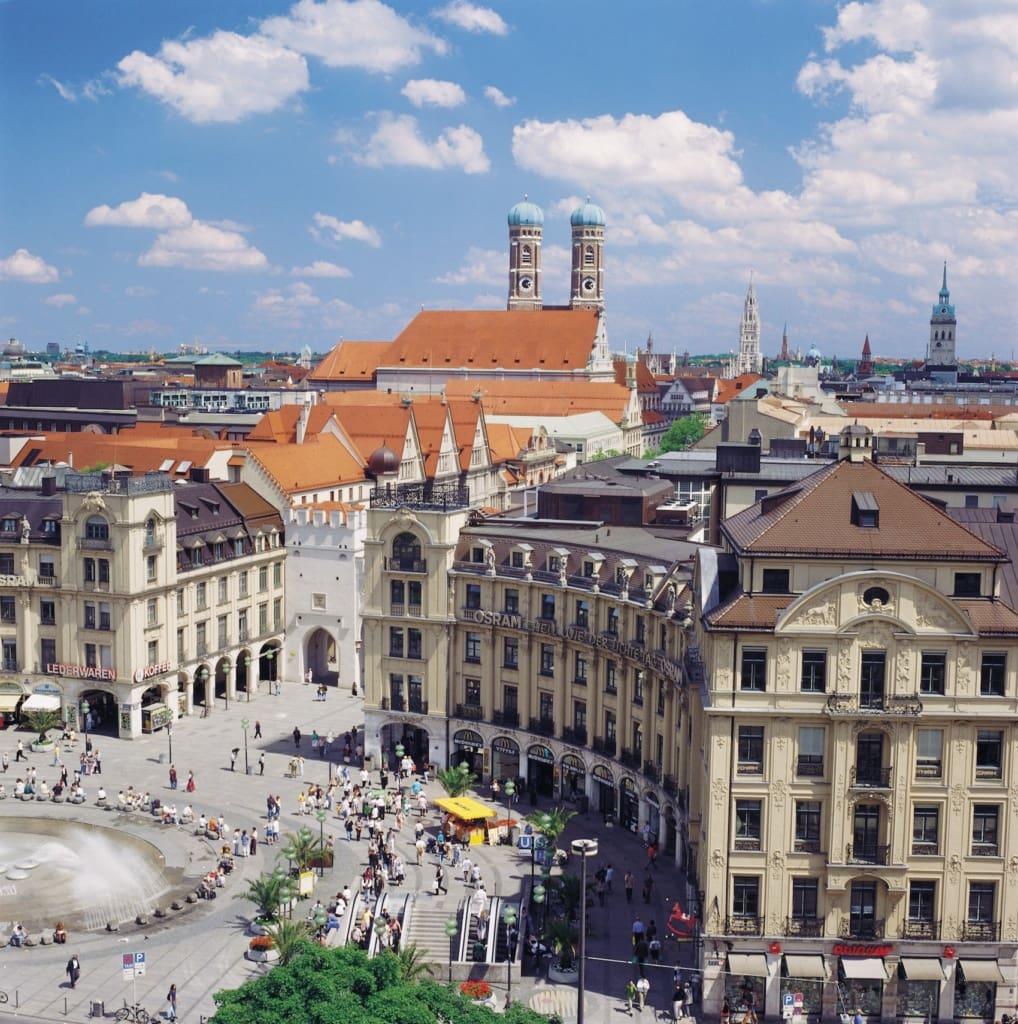 Der Karlsplatz in München ist Dreh- und Angelpunkt.