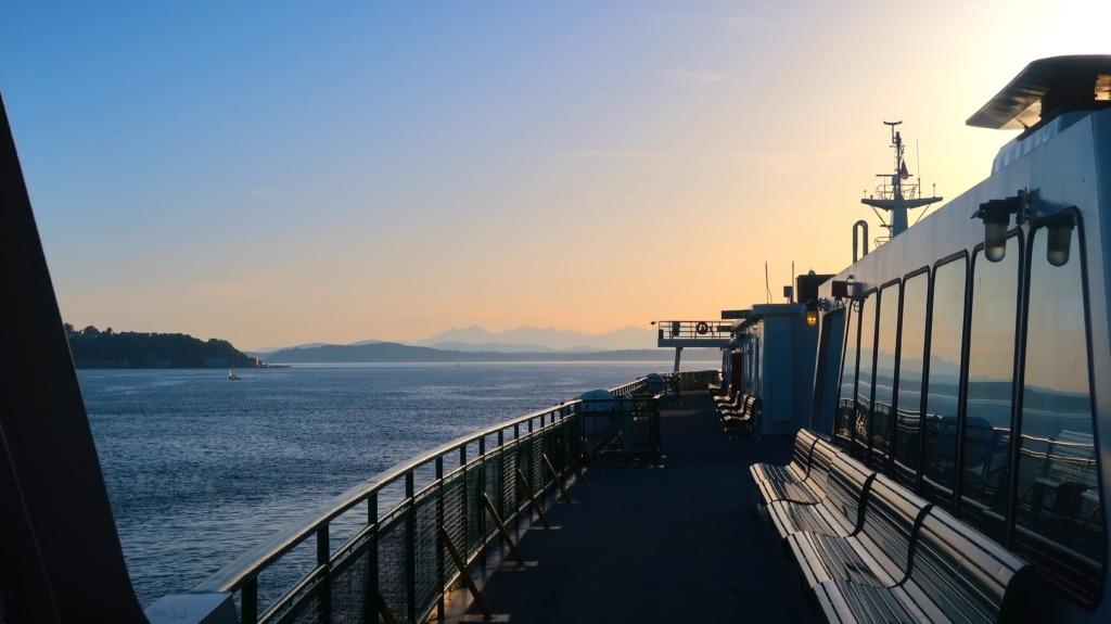 Blick von einer Fährenfahrt bei Seattle