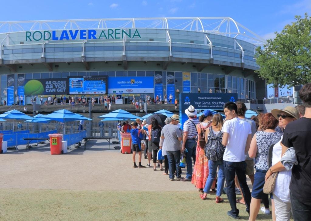 Zuschauerschlange vor der Rod Laver Arena