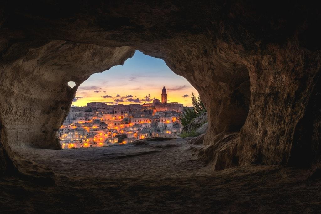 Blick aus Höhle auf Materna