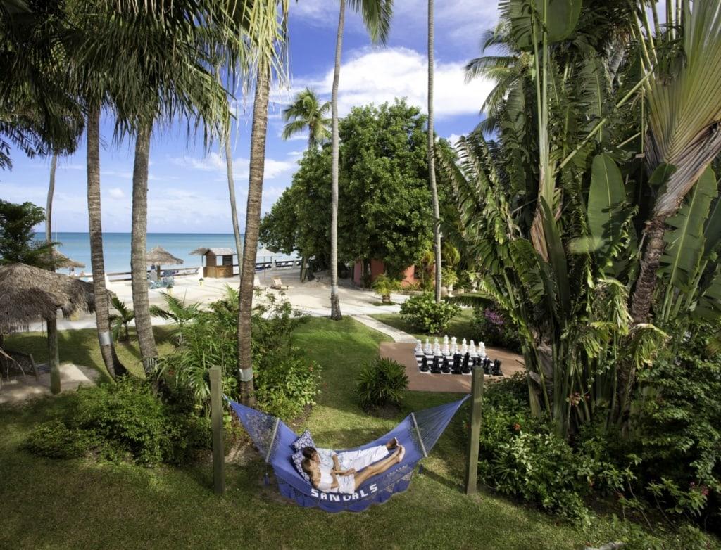 Im Sandals Resort auf der Karibikinsel Antigua geht es romantisch zu – das Resort ist exklusiv für Paare.