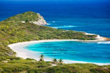 Antigua in der Karibik ist für seine traumhaften Strände berüchtigt.