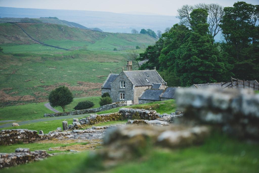 Kleine Dörfer entlang der Hadrians Wall laden zum Verweilen ein.