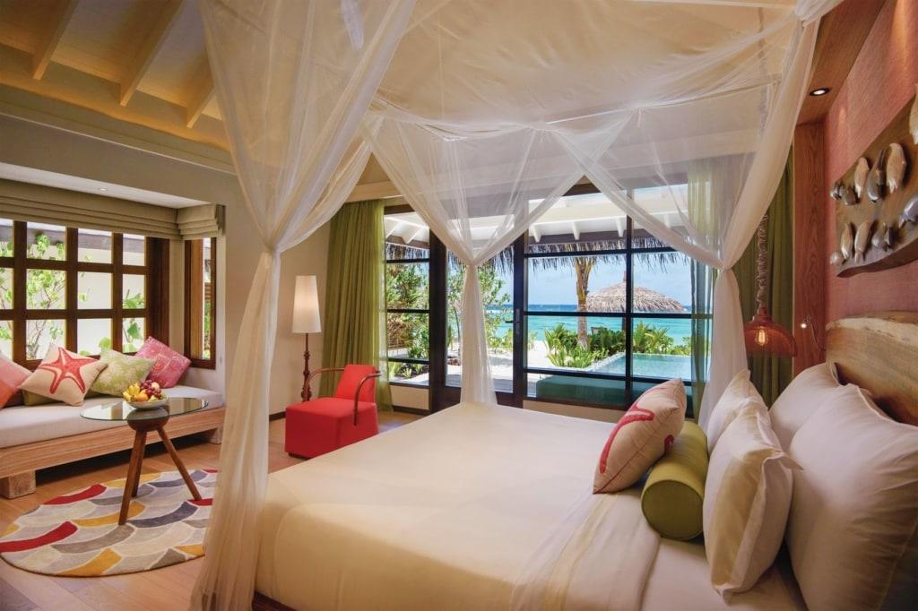 Schlafzimmer in der Deluxe Bach Villa im Oblu Select at Sangeli