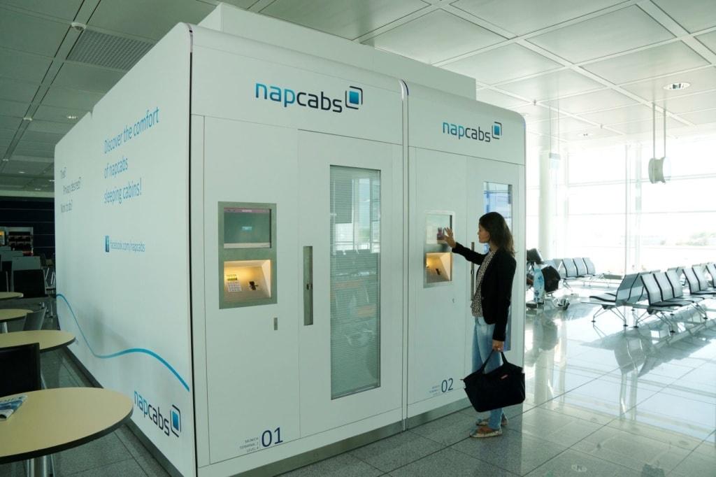 Nacht im Flughafen: Schlafkapsel im Flughafen München