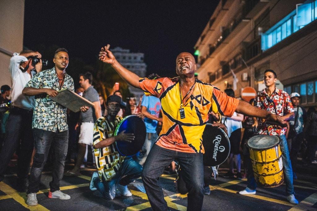 Das Porlwi Festival in Port Louis auf Mauritius ist eine kunterbuntes und lautes Lichterfest der Superlative.