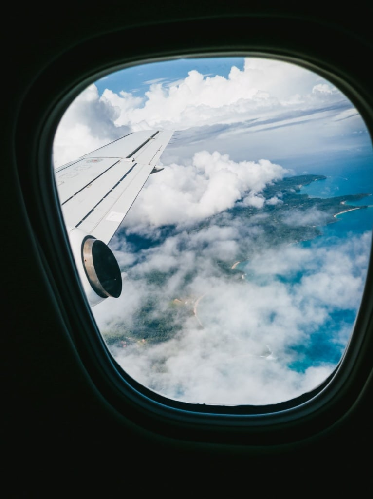 Blick auf Flugzeug auf São Tomé und Príncipe