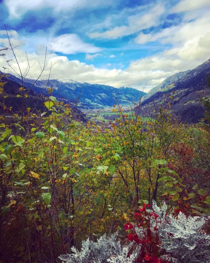 Blick vom Berg auf Bad Gastein