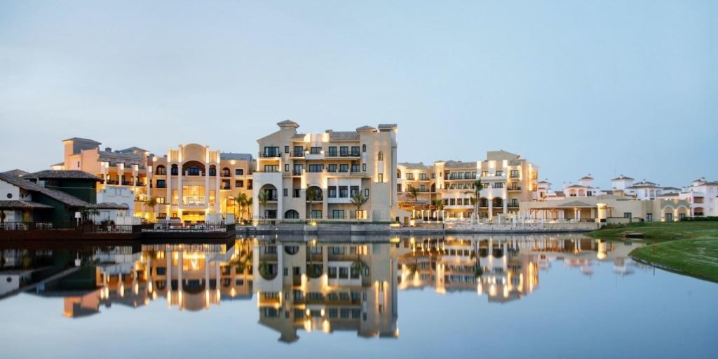 Fassade DoubleTree by Hilton La Torre Golf & Spa Resort