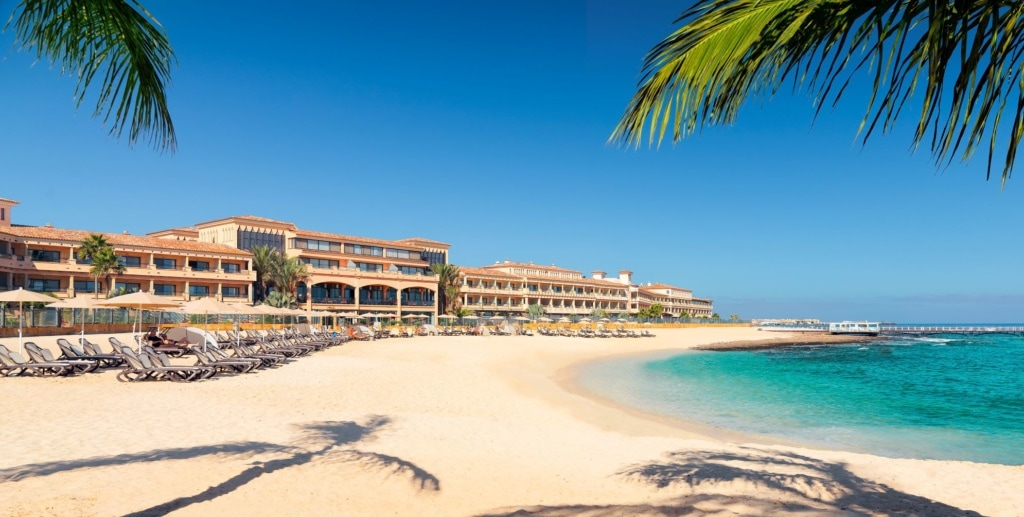 Strand vor dem Gran Hotel Atlantis Bahía Real*****GL