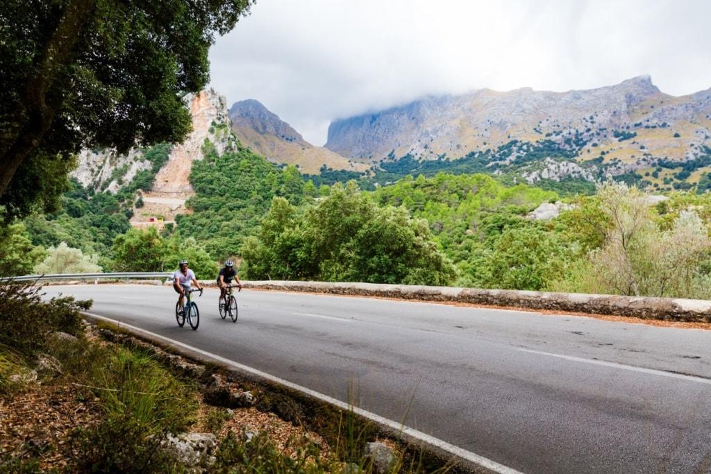 Radfahrer auf dem Puig Major auf Mallorca